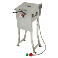 Barbour International Outdoor Cooker And Fryer: Bayou Classic Stainless Fryer: 2.5 Gal.